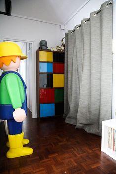 Salon Playmobile géant Rangement coloré Mobilier année 80 Valérie Bouvier Remix Gallery Paris
