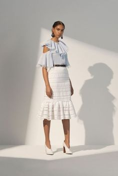 Prabal Gurung Resort 2018 Fashion Show Collection: See the complete Prabal Gurung Resort 2018 collection. Look 4 Fashion Mode, Fashion 2018, Fashion Brands, Girl Fashion, Fashion Outfits, Lovely Dresses, Beautiful Outfits, Cute Outfits, African Men Fashion