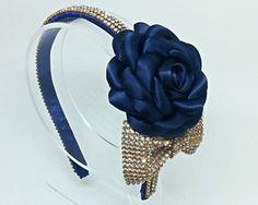 Tiara Flor com laço de strass