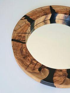 Round Wall Mirror, Wood Mirror, Round Mirrors, Pallet Mirror Frame, Pallet Wall Decor, Recycled Pallets, Epoxy, Dubai, Creations