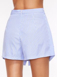 Pantalones cortos a rayas con cinturón - azul Cute Summer Outfits, Simple Outfits, Fashion Pants, Fashion Outfits, Womens Fashion, Streetwear Shorts, Sewing Shorts, Belted Shorts, Couture