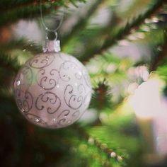 Mukavaa Tapaninpäivän iltaa! Joulun tunnelma viipyilee vielä hetken mutta ajatukset ovat jo seuraavassa juhlahetkessä uudessa vuodessa. Goodbye Christmas  #joulu #christmas #joulukoristeet #decor #christmastree #tapaninpäivä