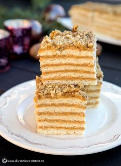 See related links to what you are looking for. Romanian Desserts, Romanian Food, Food Cakes, Cupcake Cakes, Cake Recipes, Dessert Recipes, Piece Of Cakes, Creative Cakes, Cakes And More