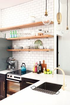 Floating shelves // kitchen spaces