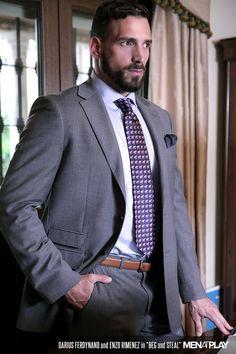 Suit and Tie Bulges Dapper Gentleman, Dapper Men, Sharp Dressed Man, Well Dressed Men, Mens Fashion Suits, Mens Suits, Men's Fashion, Costume Sexy, Moda Formal
