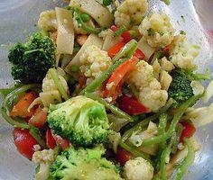 Salada de legumes com vinagrete de curry e molho de soja - Trem Bom