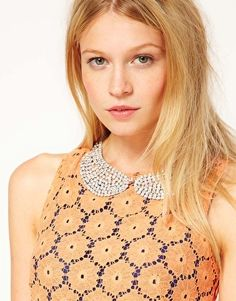 Small Rhinestone Pearlescent Collar Necklace