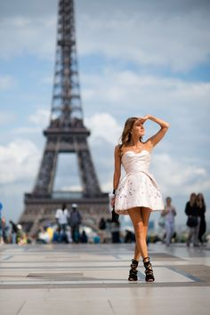 Street Style: Paris Couture: Anna Dello Russo. Strapless dress. Strappy shoes. Paris street style.