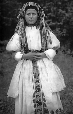 Bride in traditional wedding costume from Bošáca Slovakia Wedding Dress Costume, Bride Costume, Wedding Costumes, Folk Costume, Girl Costumes, Dance Costumes, Traditional Wedding Dresses, Traditional Outfits, Historical Costume