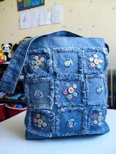 Geniales ideas para reciclar jeans - Hat Tutorial and Ideas Artisanats Denim, Denim Purse, Jean Crafts, Denim Crafts, Patchwork Bags, Quilted Bag, Denim Patchwork, Patchwork Quilting, Denim Fabric