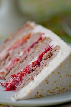 Five-Spice Plum Cake from @HungryRabbitNYC - Love this frosting technique!