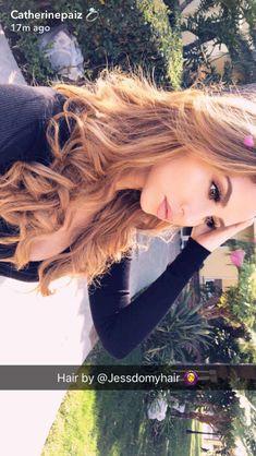 Catherine Paiz Hair Colour - All For Hair Color Trending Make Up Looks, Medium Hair Cuts, Medium Hair Styles, Medium Length Blonde, Catherine Paiz, Ace Family, Poses, Hair Highlights, Balayage Hair