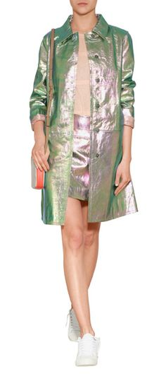 Glanz und Glitzer veredelt den clean geschnittenen Ledermantel von Marc by Marc Jacobs - very cool! #Stylebop