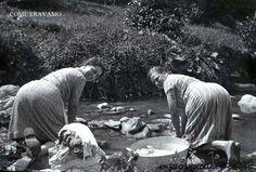 Le nostre nonne lavavano i panni al fiume! Our grannies washed the clothes in the river....one time! #Abruzzo #Travel #Italy #navelli #abruzzosegreto #visitabruzzo #oldpostcard #SecretOfAbruzzo