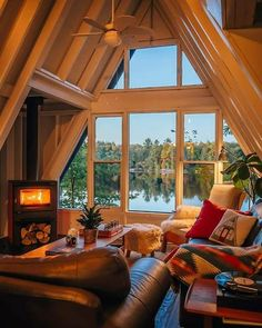 Find best Home Decoration Ideas for Your House - DIY - Room - Makeover A Frame Cabin, A Frame House, Tiny House Living, Home And Living, Cozy Living, Living Rooms, Home Interior, Interior Design, Cabin In The Woods