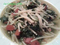 Soupe d'été de petits spaghetti et feuilles de courgettes Spaghetti, Meat, Chicken, Or, Ethnic Recipes, Zucchini, Food, Conch, Sicily