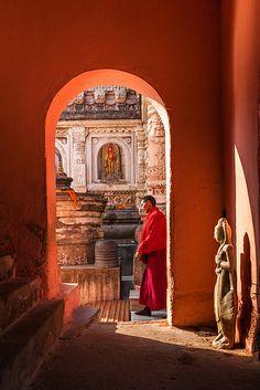 Monk, Bodh Gaya   Flickr - Photo Sharing!