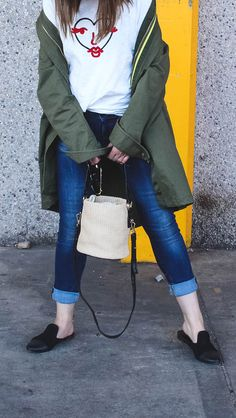 Straw bags are needed in every closet. / summer /street style / round bucket bag