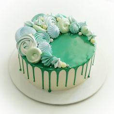 624 отметок «Нравится», 30 комментариев — Домашние торты на заказ (@imfalji) в Instagram: «До последнего не представляла как будет выглядеть этот торт) с дизайном конечно все понятно, я в…»