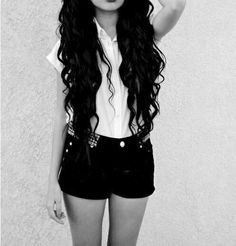 Oh how i wish my hair was this long ♡♥♡