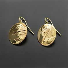 """'Bear and Raven' 14k Gold Earrings by Gerry Marks, Haida Artist. 3/4"""" x 5/8"""", $900.00 Cad. Available from Lattimergallery.com. Haida Art, Native American Beauty, Tlingit, Native American Earrings, Artist Biography, American Indian Jewelry, Indigenous Art, Native Art, First Nations"""