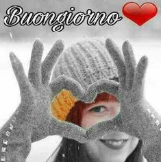 buongiorno con il cuore gif Good Morning Messages, Good Morning Images, Italian Greetings, Italian Memes, Good Day, Dil Se, Arabic Quotes, Adele, Smiley