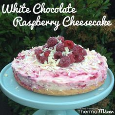 The other night my brother in law came over for dinner and requested cheesecake for dessert. This is one of my faves. Who doesn't love rasp Thermomix Cheesecake, Jelly Cheesecake, Cookies And Cream Cheesecake, Peppermint Cheesecake, Thermomix Desserts, Dessert Recipes, White Chocolate Raspberry Cheesecake, Chocolate Cheesecake Recipes, Rasberry Cheesecake