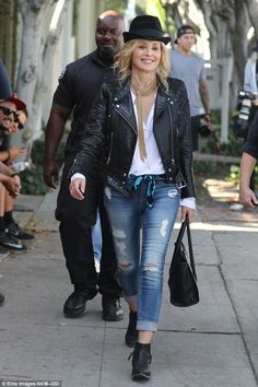 Sharon Stone, looks gorgeous on set of new movie Too cool: Draped over her lean frame was an edg Sharon Stone, Biker Jacket Outfit Women, Jackets For Women, Clothes For Women, Edgy Outfits, Looking Gorgeous, New Movies, My Style, Outfits