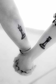 Love this and its meaning beyond belief. Just like a game of chess , the queen will always protect her king. Perfect couple tattoo #need