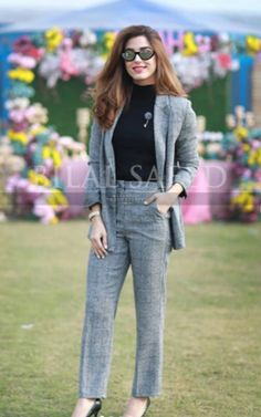 Casual Work Attire, Business Casual Outfits, Classy Outfits, Cool Outfits, Fashion Outfits, Casual Wear, Women's Fashion, Western Dresses, Western Outfits