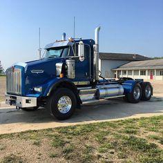 Big Rig Trucks, Tow Truck, Semi Trucks, Old Trucks, Kenworth Trucks, Peterbilt, Heavy Construction Equipment, Logging Equipment, Custom Big Rigs
