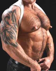 Nice nips daddy. More real men on http://www.datedick.com/