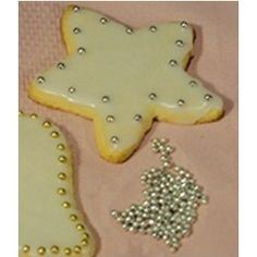 I remember loving the Silver dragees on Christmas cookies, ate them by the ton, but guess what.....Today...SILVER DRAGEES are to be used for DECORATIONS ONLY! Items are NOT to be   consumed or used as a food item per the U.S. FDA Rules and Regulations