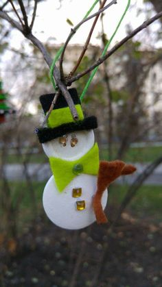 Baby #Snowman waiting a new friend #Christmas #button #home #decoration