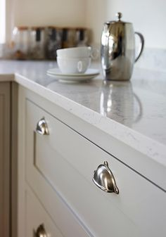 Pavillion Grey paintwork and Lyra Silestone worktops form a beautiful combination. Kitchen Interior, Kitchen Decor, Kitchen Design, Kitchen Ideas, Open Plan Kitchen, Country Kitchen, Kitchen Living, New Kitchen, Taupe Kitchen