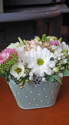 Spring Wreaths, Flower Arrangements, Plants, Succulents, Floral Arrangements, Plant, Planets