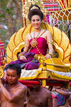 Lady of Phranomrung, Thailand