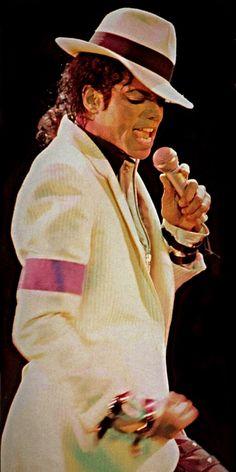 Michael Bad tour Smooth Criminal ❤️