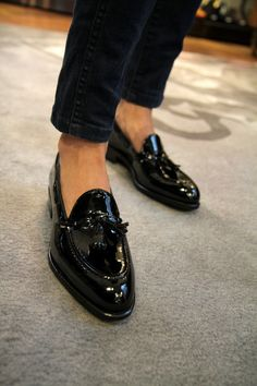 STYLE ALPHABET - www.journal.stylealphabet.compatent leather tassle loafers #Fashion #Men #Loafers