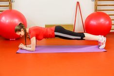 6x cviky na brucho a boky, ktoré ti pomôžu k sexy postave! Tabata, Health Diet, Gym Equipment, Exercise, Sexy, Humor, Food, Per Diem, Ejercicio