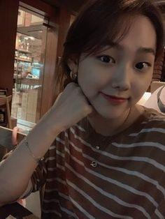 Korean Girlfriend, Ulzzang Girl, Girl Crushes, Kpop Girls, Girlfriends, Cool Girl, Short Hair Styles, Beauty, Chara