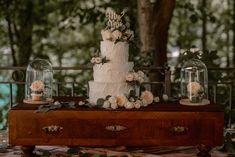 Sweet table - Schloss Fuschl Wedding by JOIN WEDDING CONSULTING & EVENT  #weddingsbyjoin #schlossfuschlweddingplanner Great Gatsby Party, Salzburg, Luxury Wedding, Wedding Designs, Snow Globes, Real Weddings, Wedding Planner, Join, Table Decorations