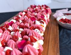 Fika, Let Them Eat Cake, Food Inspiration, Tart, Cravings, Raspberry, Cake Decorating, Food And Drink, Cupcakes