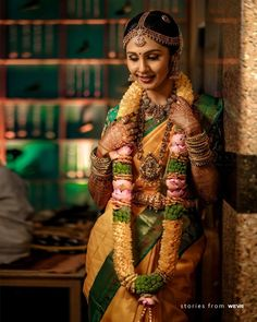 South Indian Wedding Garland Designs We Couldn't Take Our Eyes Off! South Indian Wedding Hairstyles, South Indian Weddings, Indian Wedding Theme, Indian Wedding Outfits, Indian Bridal Sarees, Indian Bridal Makeup, Bride Photography, Indian Wedding Photography, Flower Garland Wedding