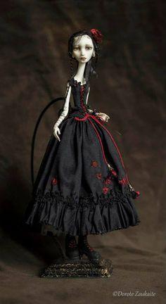 Blog post about Dorote Zaukaite's beautiful dolls…