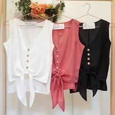 Obtain the greatest variety of girls' fashion garments, and grab fashionable personal look. Saree Blouse Designs, Blouse Styles, Latest Fashion Clothes, Fashion Dresses, Casual Skirt Outfits, Couture Tops, Little Girl Dresses, Ladies Dress Design, Simple Dresses