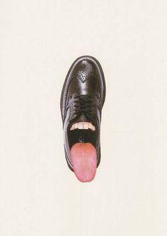 Le matin. Au moment d'enfiler ses chaussures pour décoller. #langue #chaussure (Inspiration par Jorge Chamorro Ortiz https://www.flickr.com/photos/jorgechamorro/)
