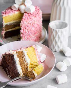 """Розовый бисквитный торт """"Три шоколада"""" - Andy Chef (Энди Шеф) — блог о еде и путешествиях, пошаговые рецепты, интернет-магазин для кондитеров"""