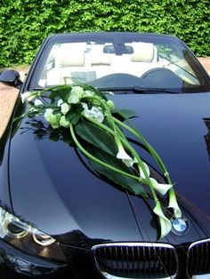 Idées de décoration voiture des mariés http://yesidomariage.com - Conseils sur le blog de mariage