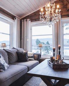 Panoramautbygget i FH 145 Osensjøen 😍 Sjenerøse trendvinduer for ekstra god utsikt🌲 #hytteliv #123hytteinspirasjon #hytte #familiehytta
